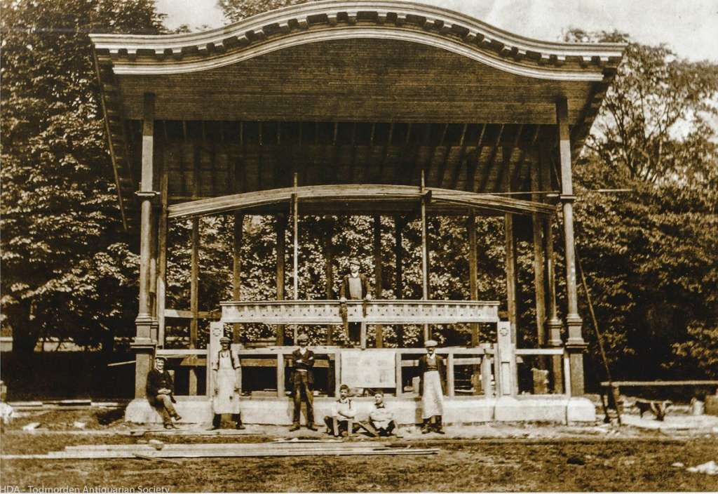 The Todmorden Bandstand under construction in 1913 (Credit: Wikipedia)