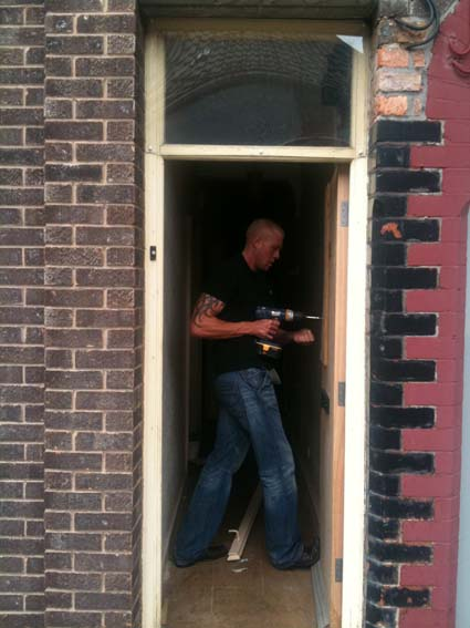 Paul from Camelot tackles the broken front door