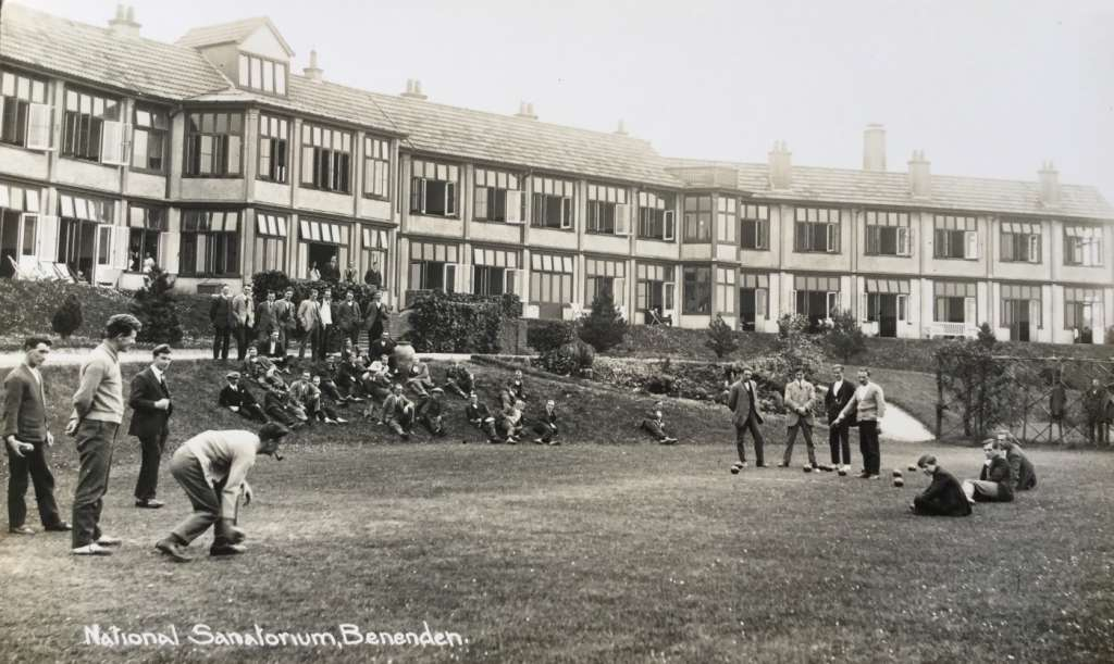 Patients playing bowls in-front of the sanatorium in c.1920 (Credit: National Archive)