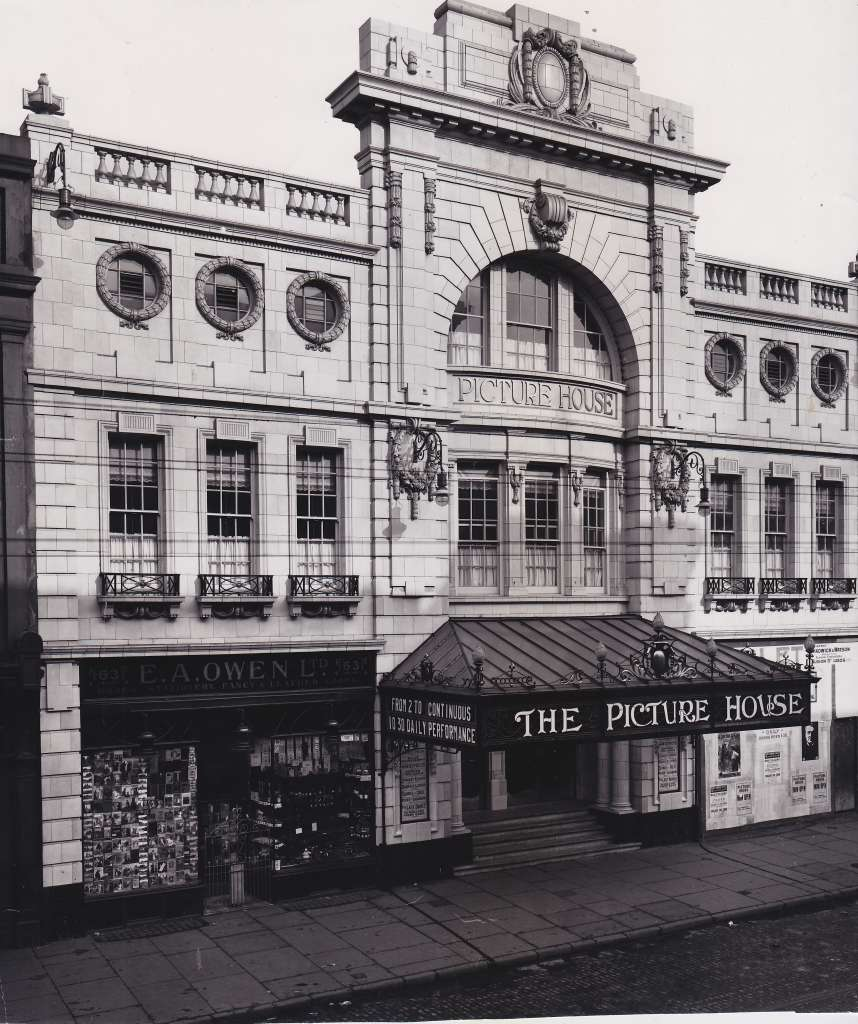 1912 Photograph of The Futurist Photo credit: Cinema Theatres Association